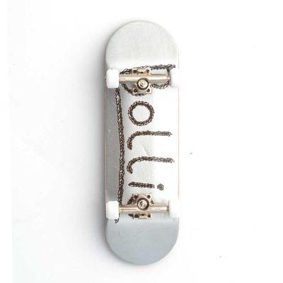 Bollie Leaves Silver Fingerboard